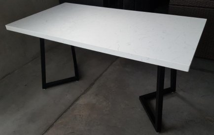 Quartz dining table1
